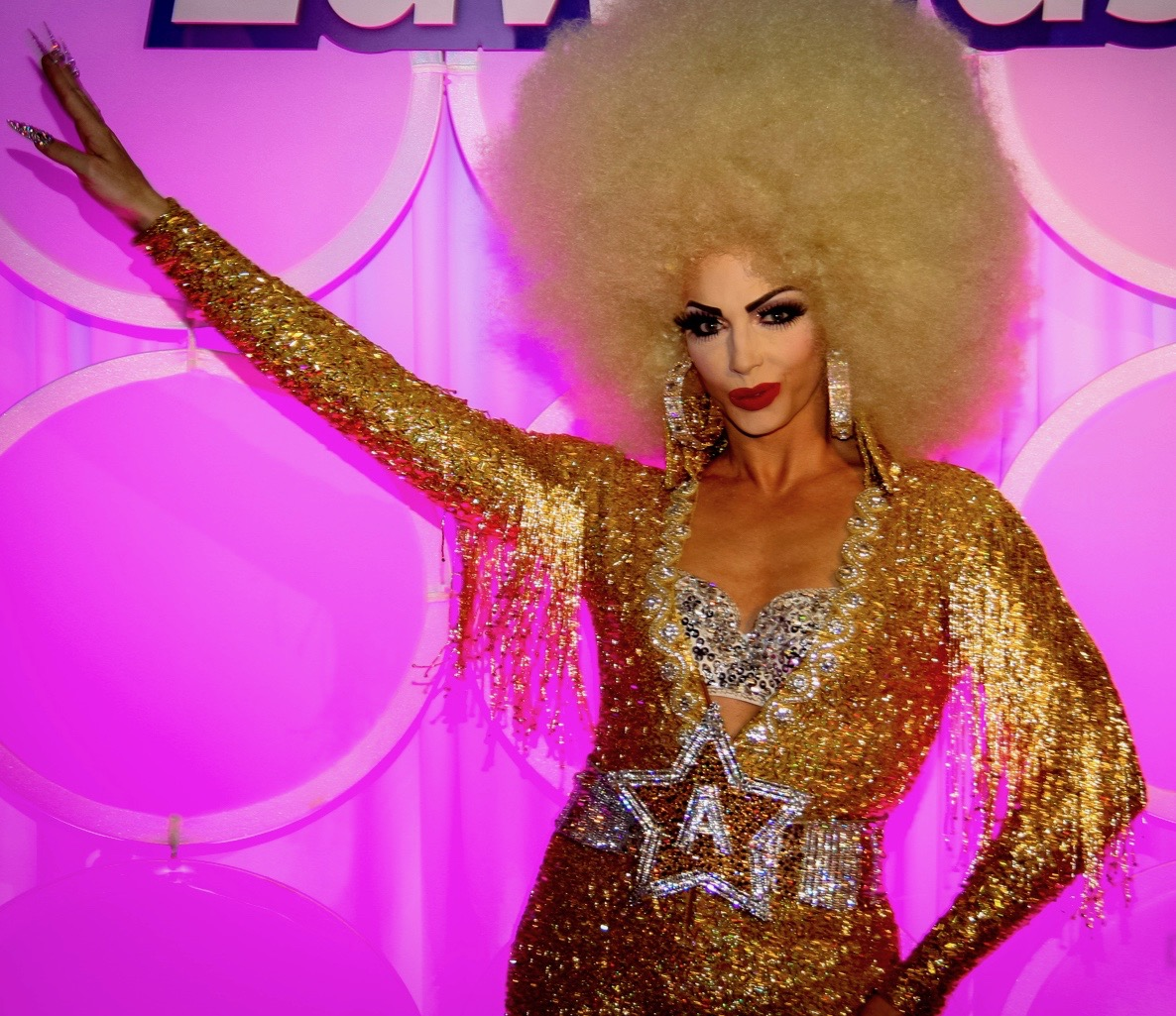 Alyssa_Edwards_at_RuPaul's_Dragcon_2017_by_dvsross 2
